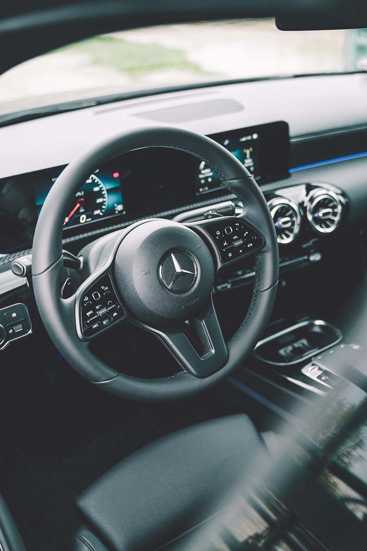 auto-lenkrad-detail-innenraum