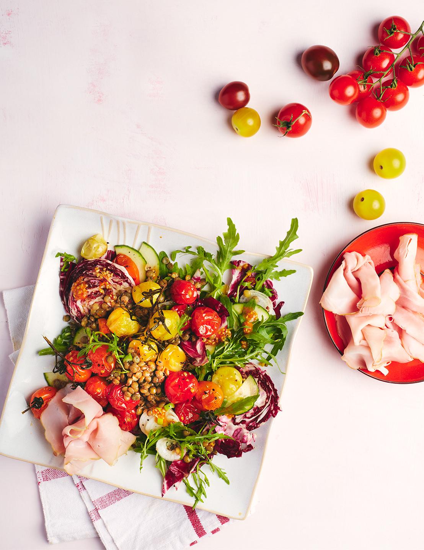 backtomaten-salat-leicht-teller-quadratisch