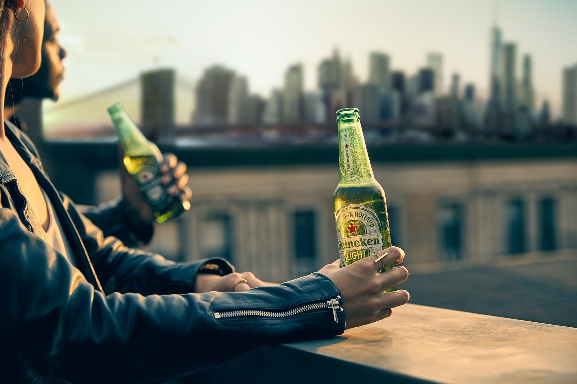 beer-bottle-hand-heineken-nyc