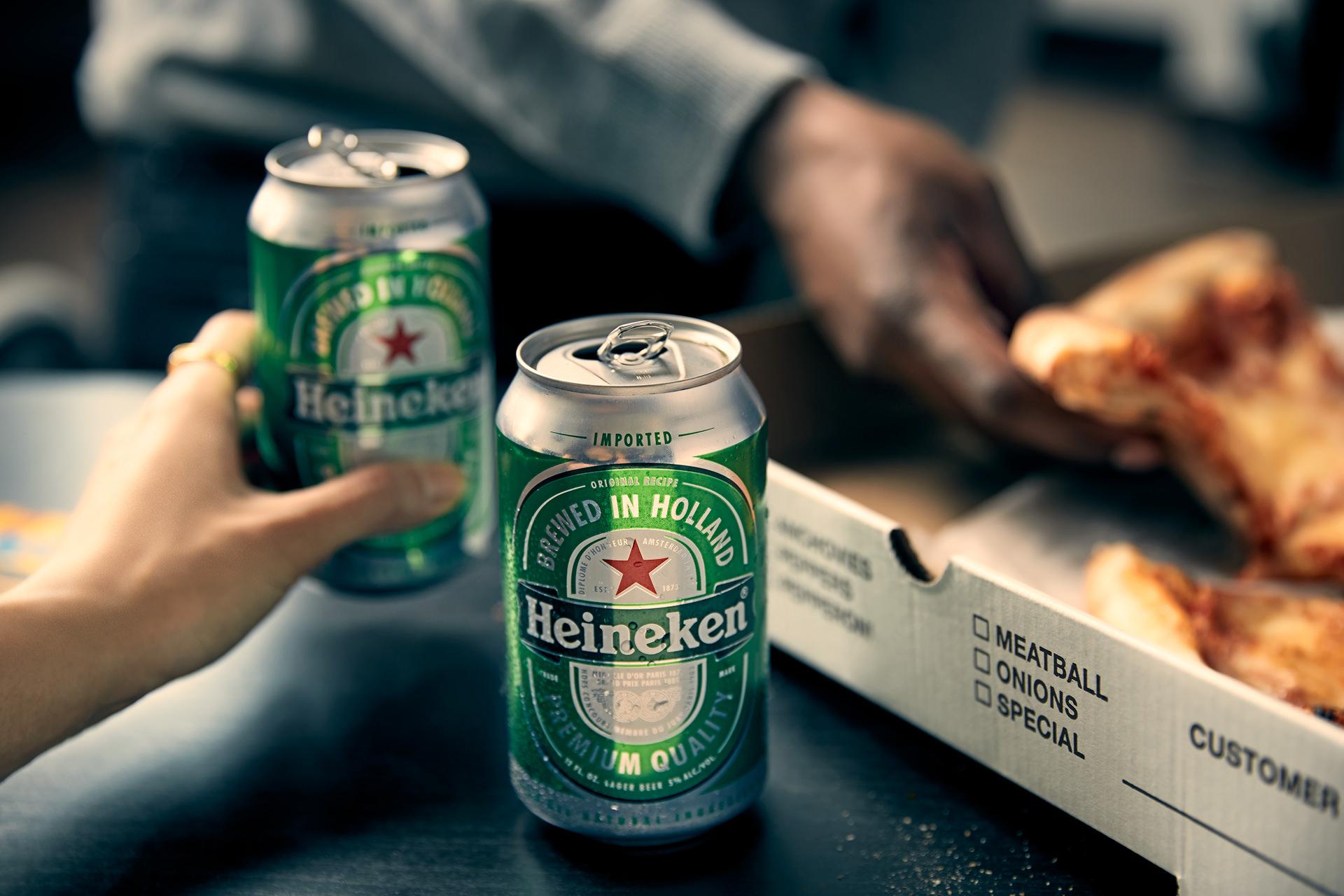 beer-can-fresh-pizza-hands-heineken
