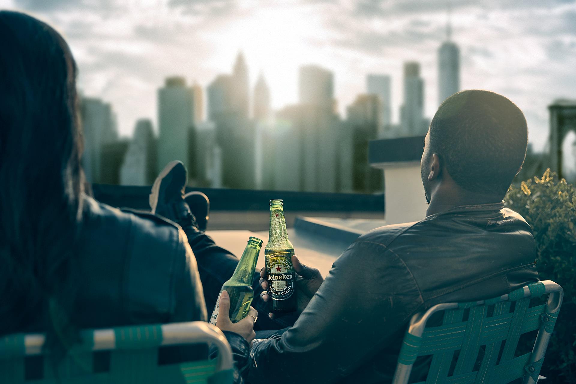 beer-couple-rooftop-heineken-nyc