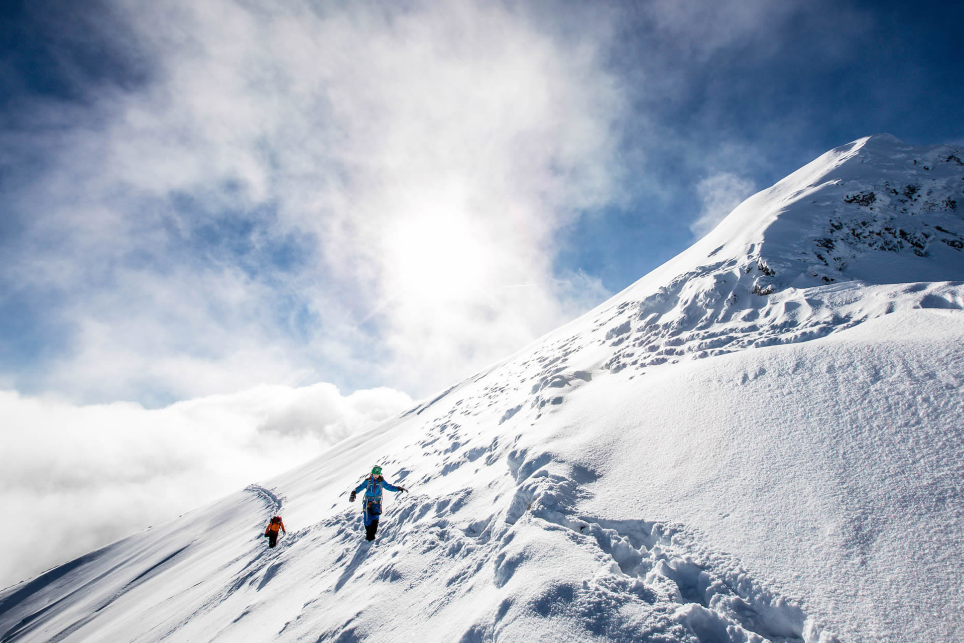 berg-schnee-tour-sonne-winter