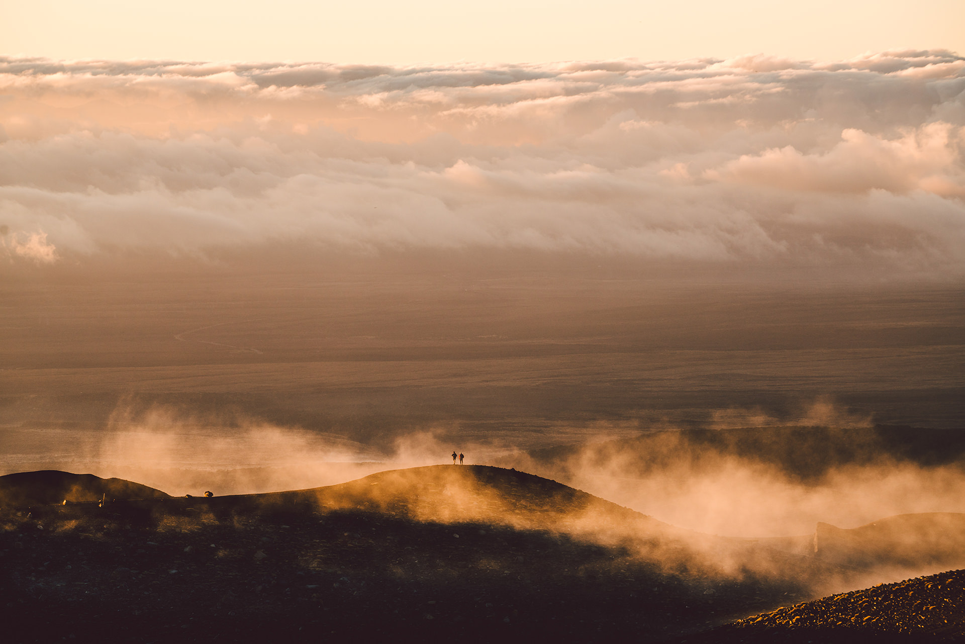 berg-wandern-neuseeland-sonnenuntergang-stimmung