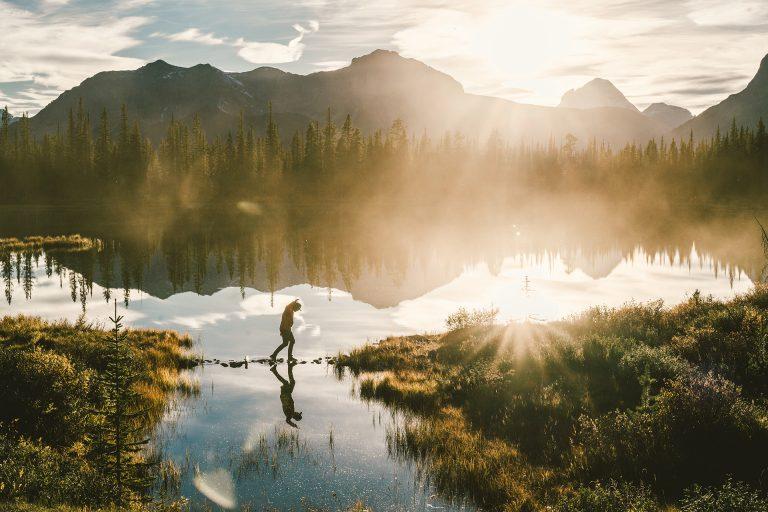 berge-see-licht-spiegelung