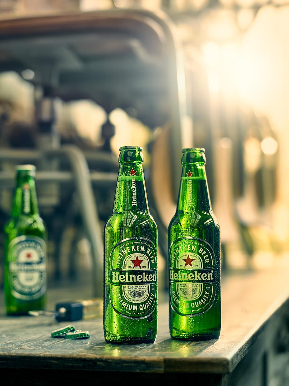 bier-flasche-tisch-sonne-heineken