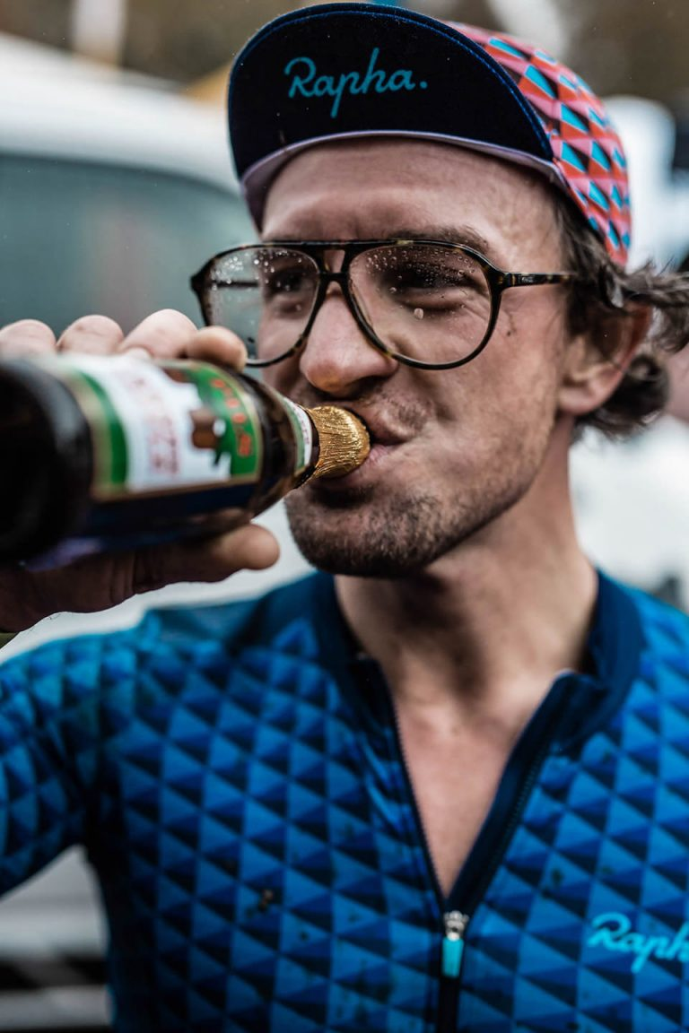 bike-race-drinking-close-portrait