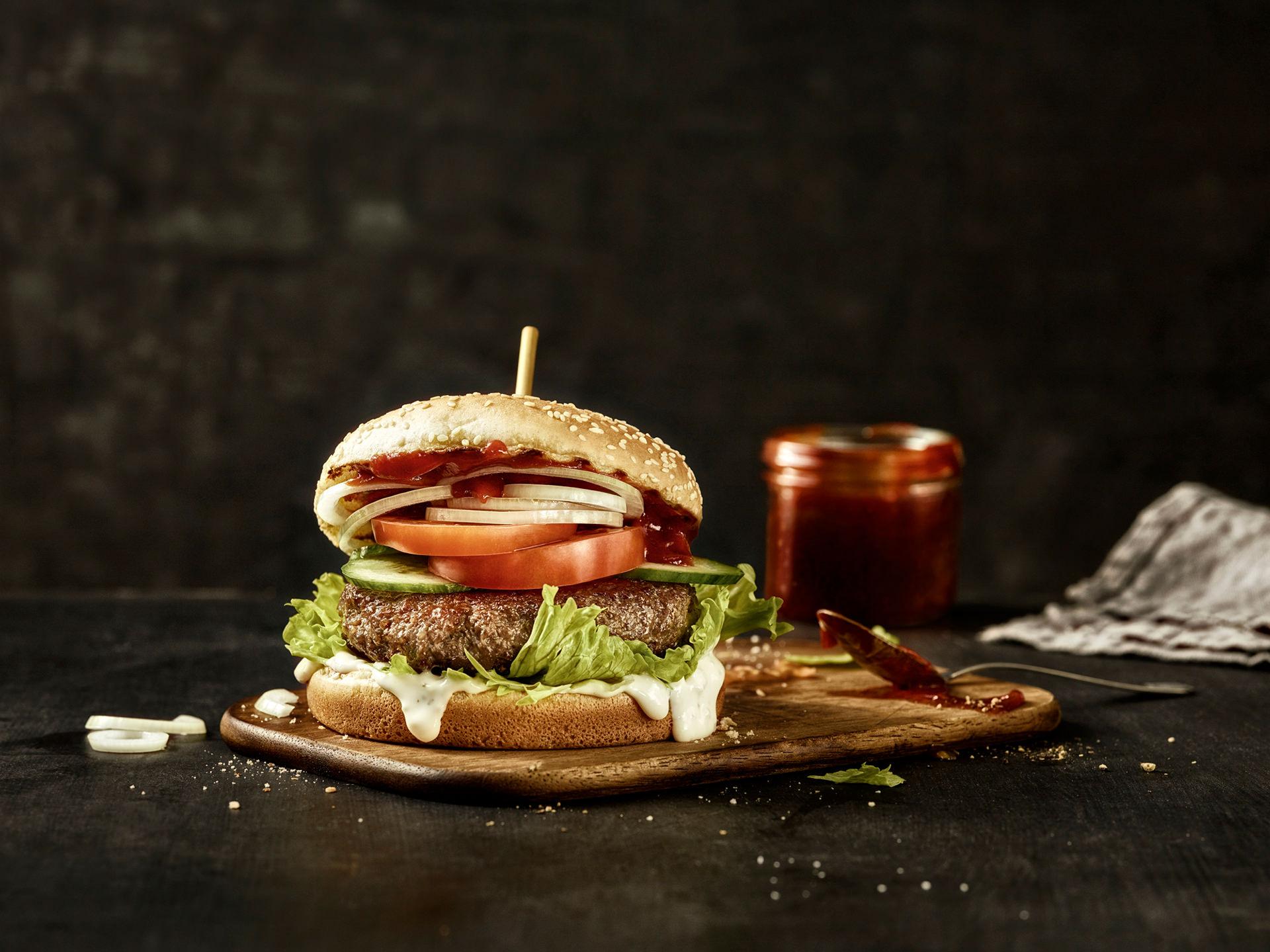 burger-hamburger-klassisch-ketchup