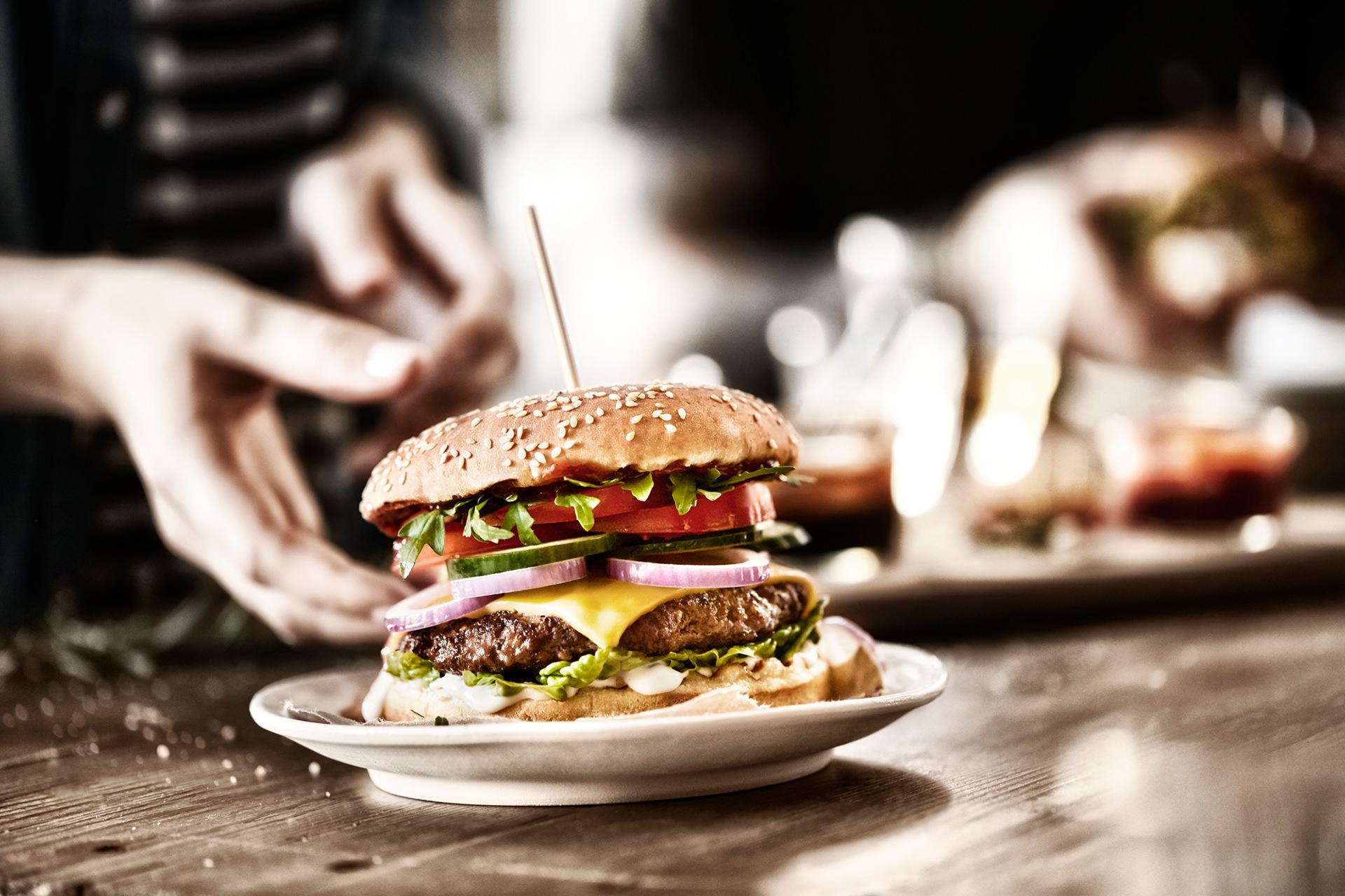 burger-teller-hand-butchers