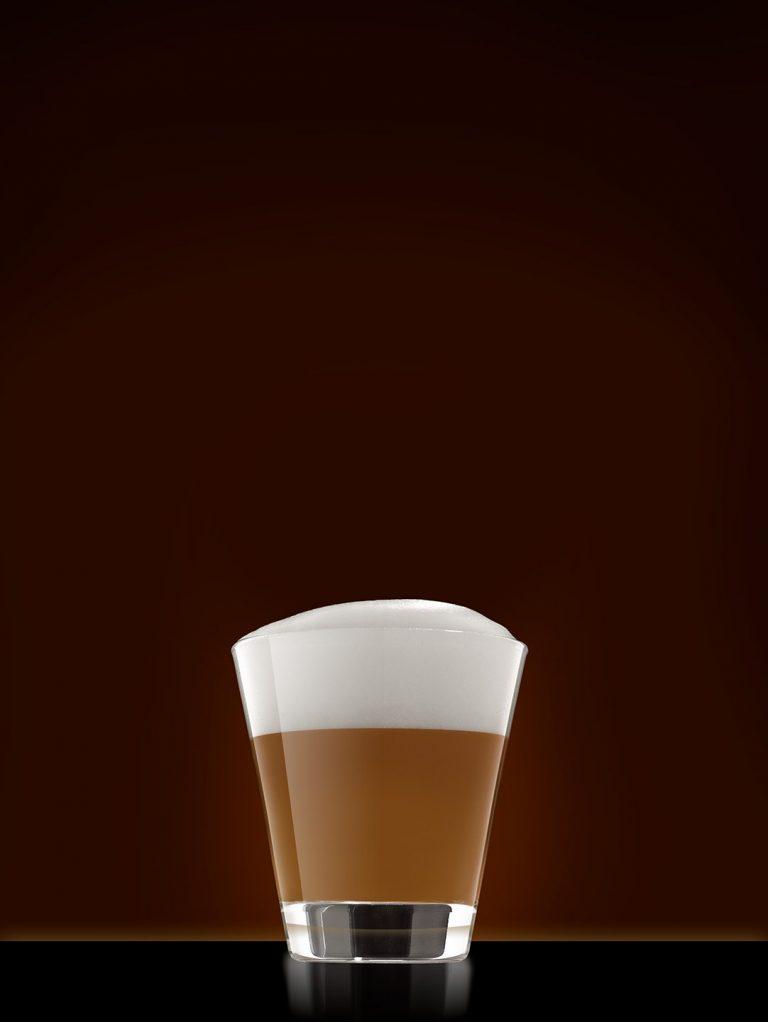cappuccino-glas-perfekt-milchschaum-clean