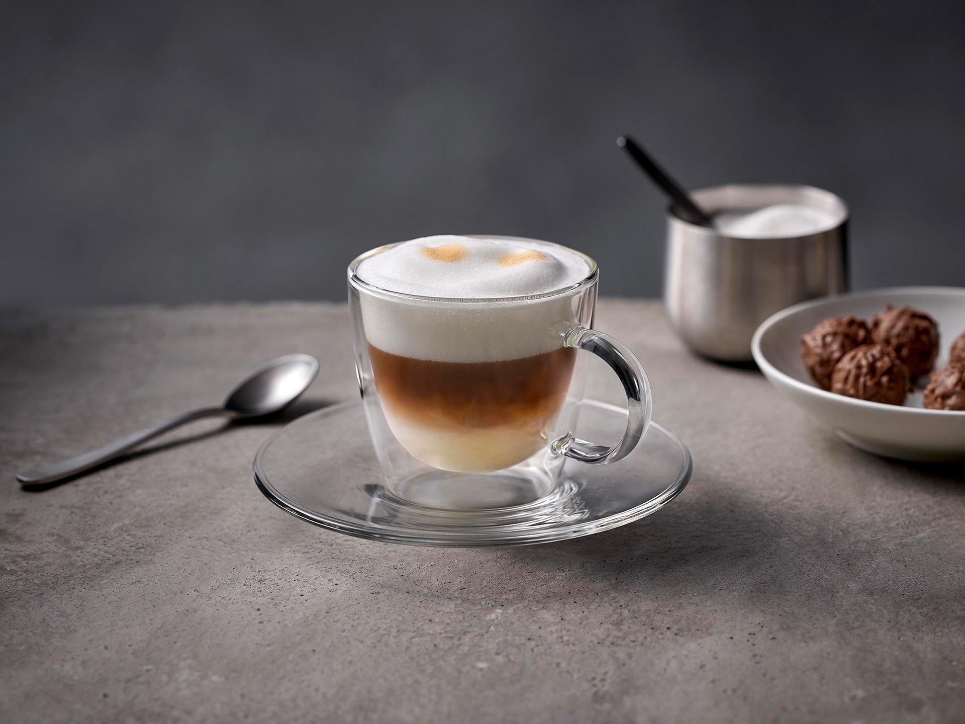 cappuccino-glastasse-milchschaum-clean-siemens