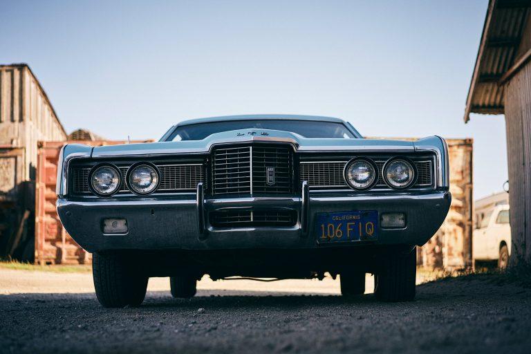car-old-classy-street-lifestyle