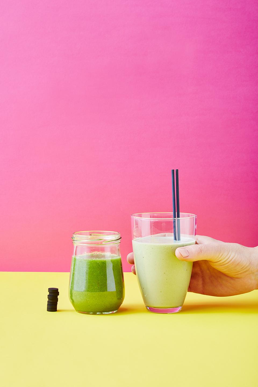 detox-smoothie-aktivkohle-kokos-gruen