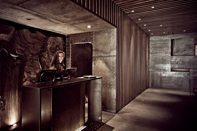 entrance-restaurant-japanese-kitchen-nyc
