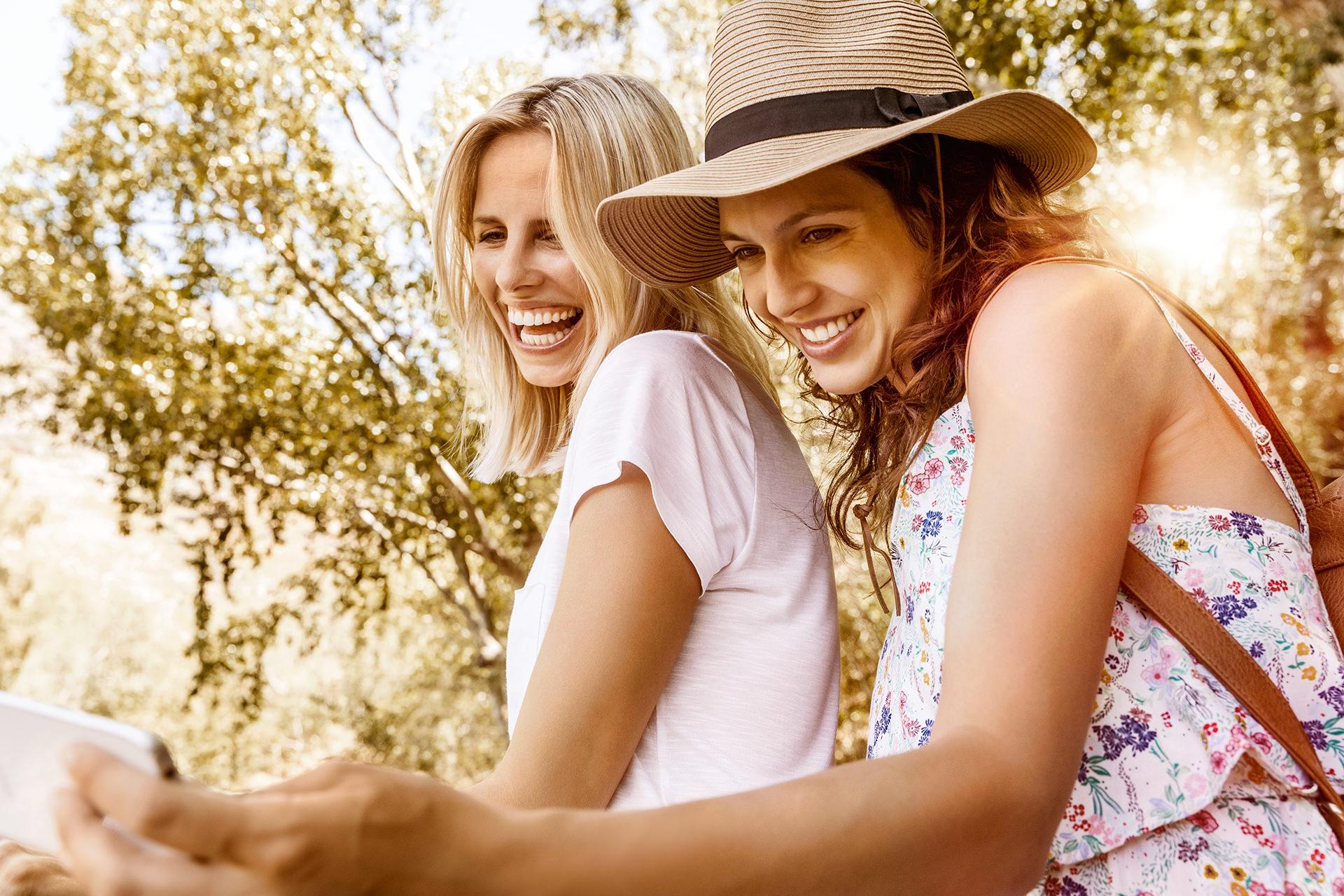 erdinger-alkoholfrei-selfie-sommer-freundinnen