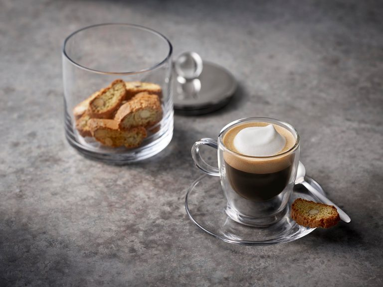 espresso-macchiato-glastasse-milchschaum-siemens