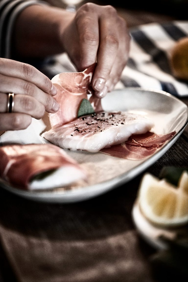 fisch-zubereitung-einwickeln-schinken-salbei