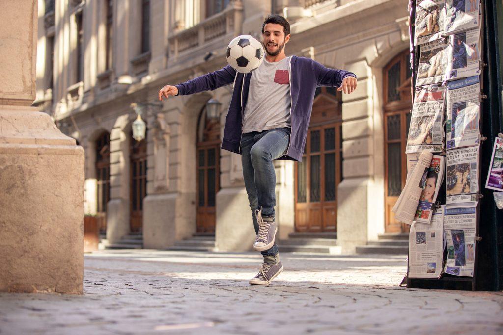 fussbal-kicken-strasse-innenstadt-em