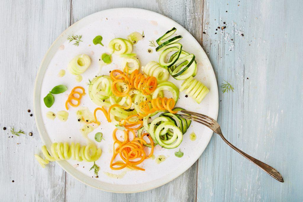 gemuesenudeln-spiralen-zoodles-karotten-zucchini-topshot