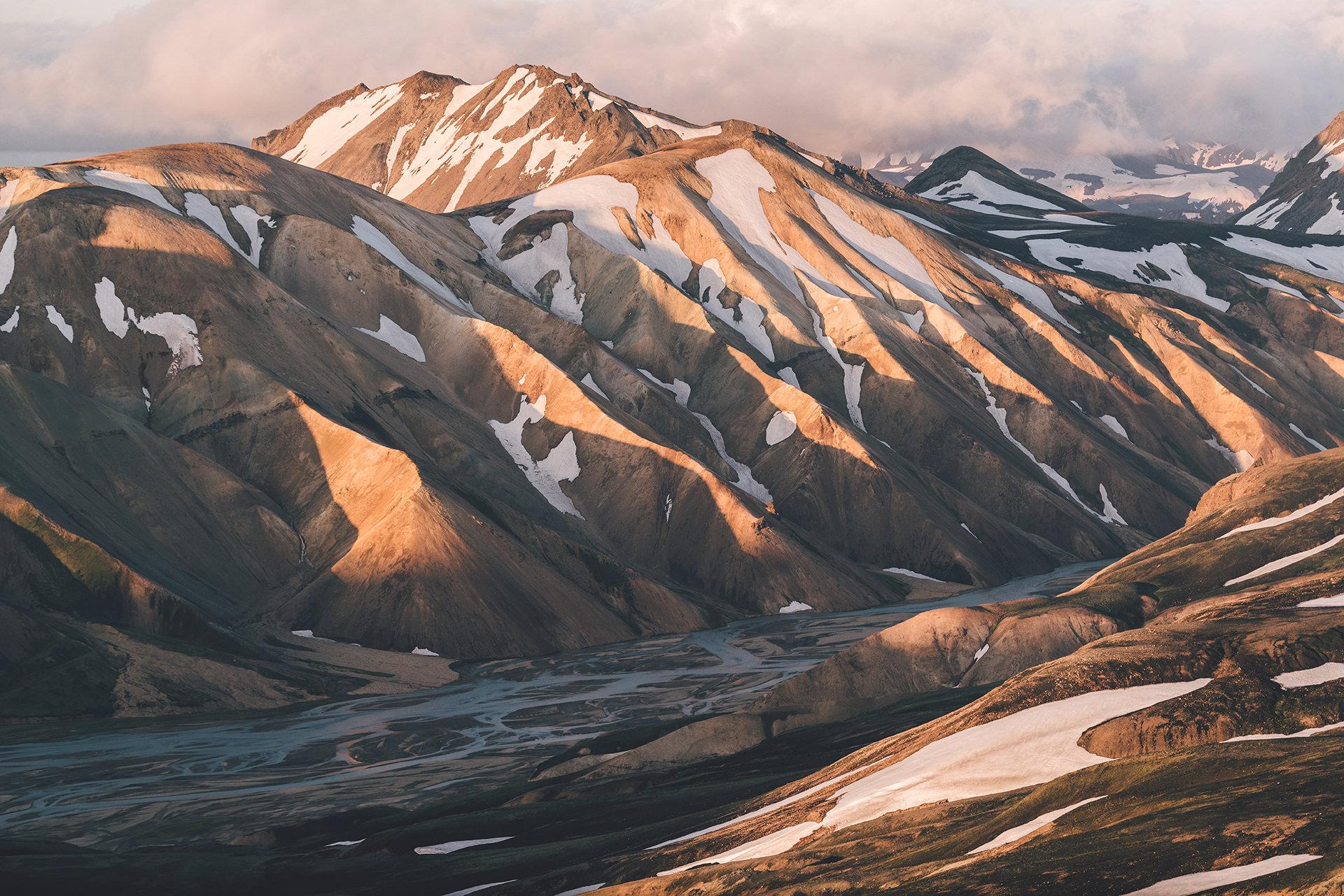 gletscher-berge-sonne-schatten
