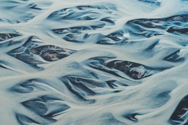 gletscher-fluss-weiss