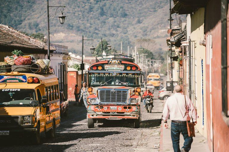 guatemala-bus-reisen-strasse