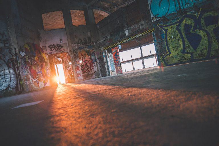 halle-graffiti-streetart-sonne-strahlen