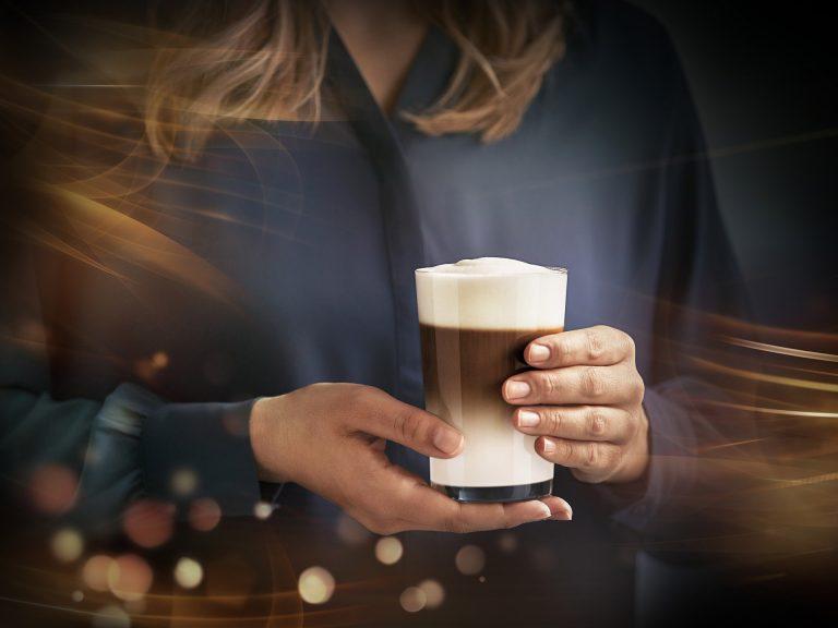 kaffee-frau-haende-siemens-cgi