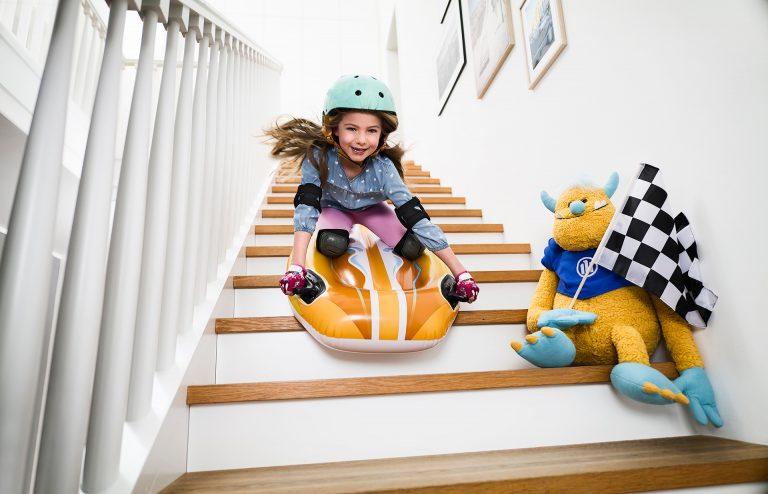 kind-luftmatratze-mutig-kuscheltier-kampagne