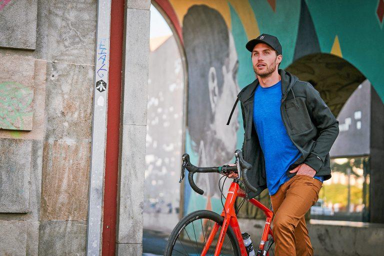 mann-fahrrad-bunt-style-sueden