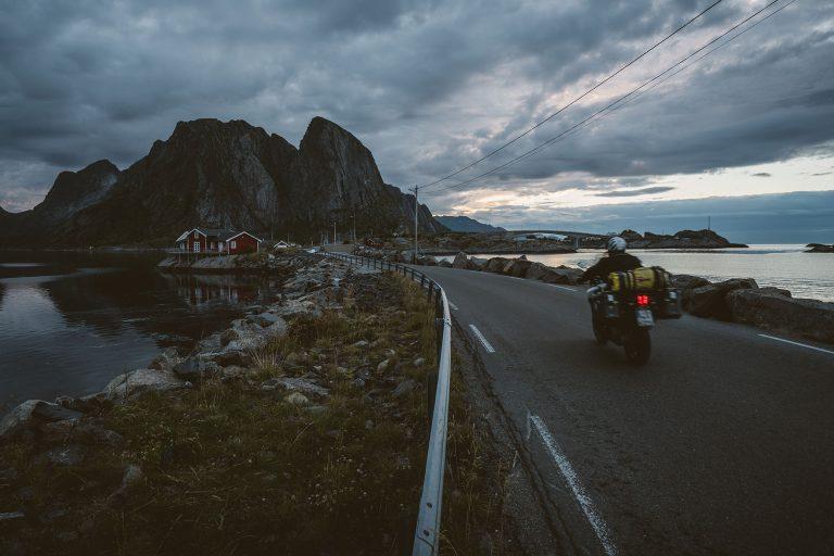 motorrad-tour-strasse-fjorde-adac