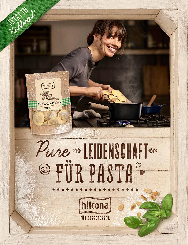 pasta-kochen-frau-kueche-hilcona