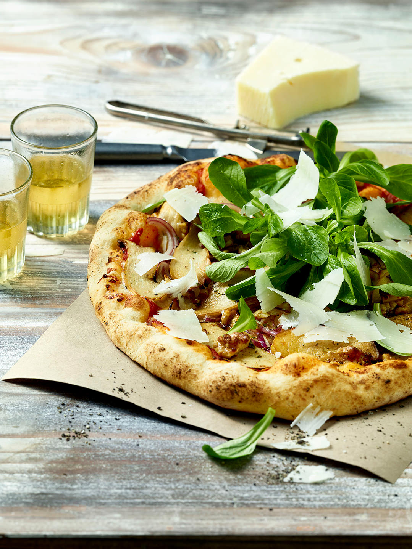 pizza-pilze-parmesan-salat-herbst