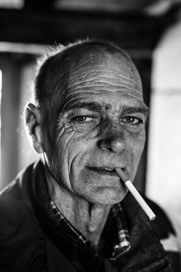 portrait-sw-italiener-mann-zigarette