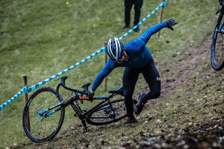 race-cyclocross-bike-accident-hill