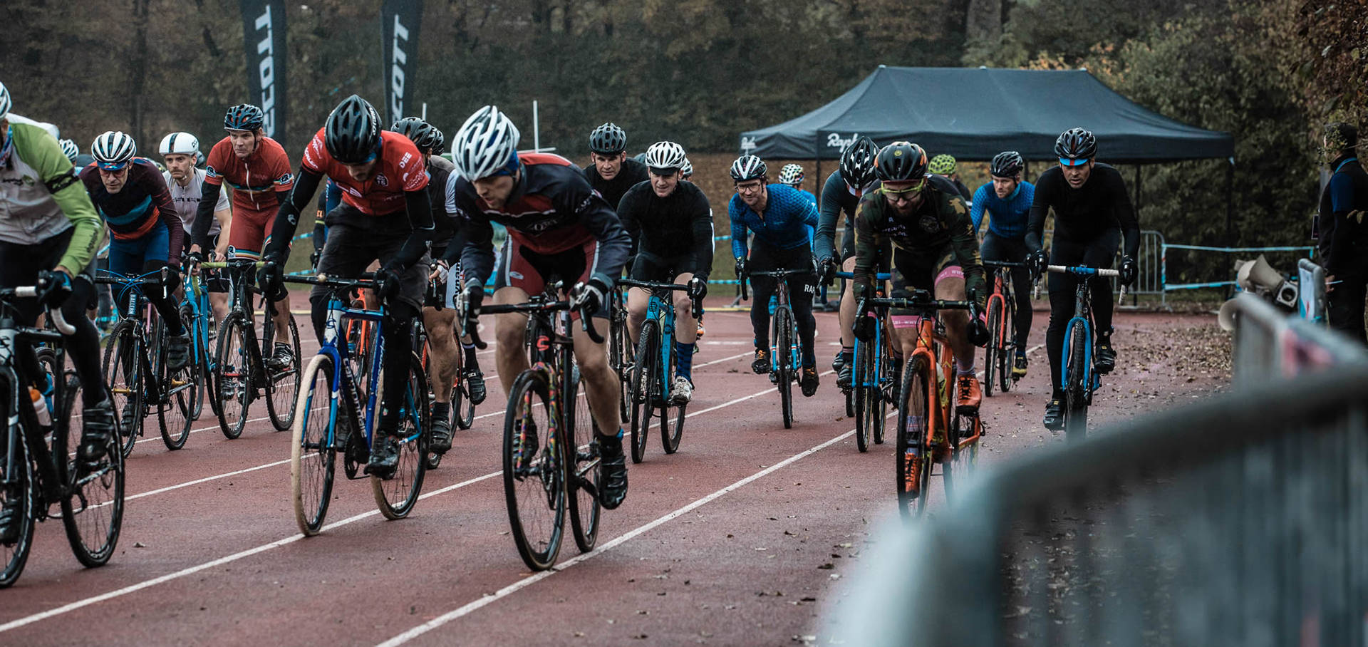 race-cyclocross-bike-street-rain