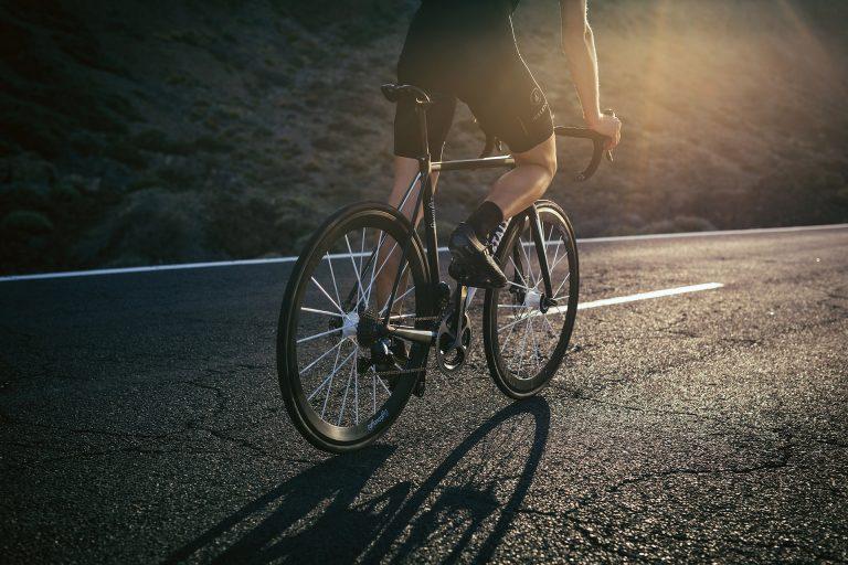 rennrad-fahren-strasse-lightweight-kampagne