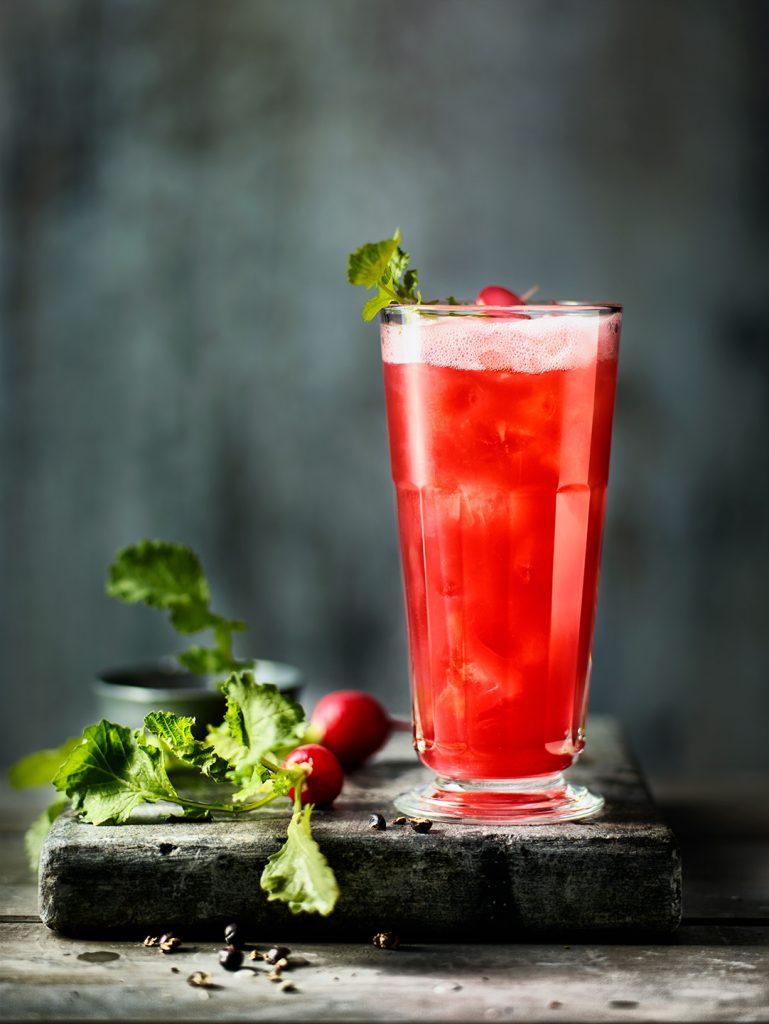 rot-cocktail-rot-radieschen-drink