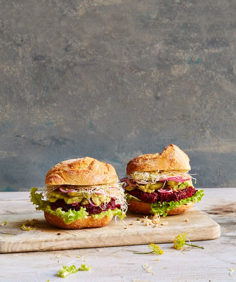 rote-beete-burger-sprossen-kreation