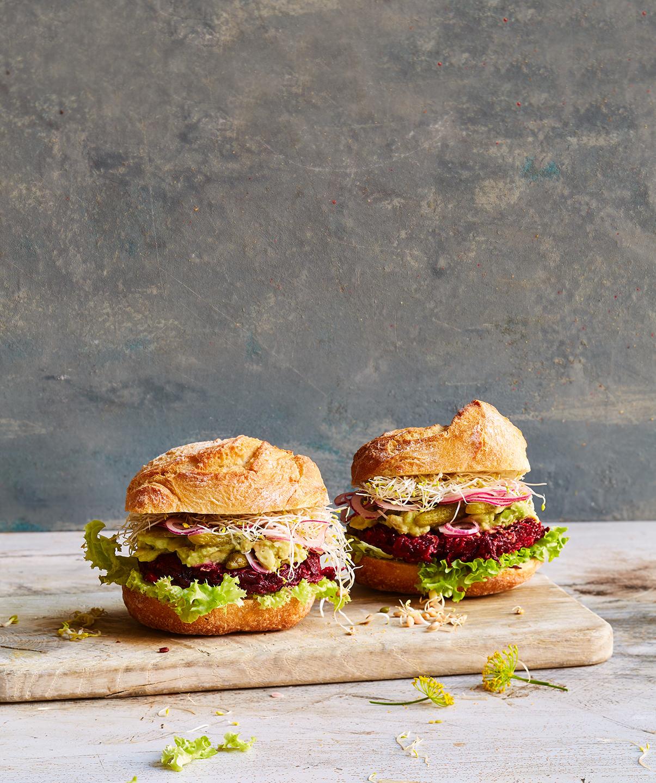 rote-beete-burger-sprossen-kreation