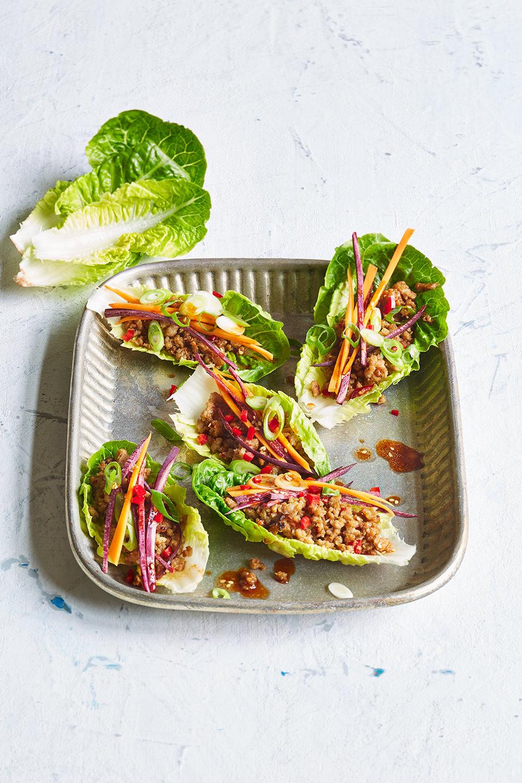salatcups-asiatisch-hackfleischfuellung-platte