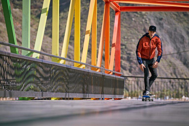 skaten-bruecke-farben-laessig
