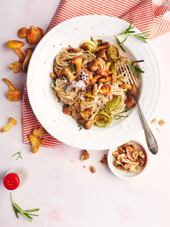 spaghetti-walnusspesto-pfifferlinge-teller