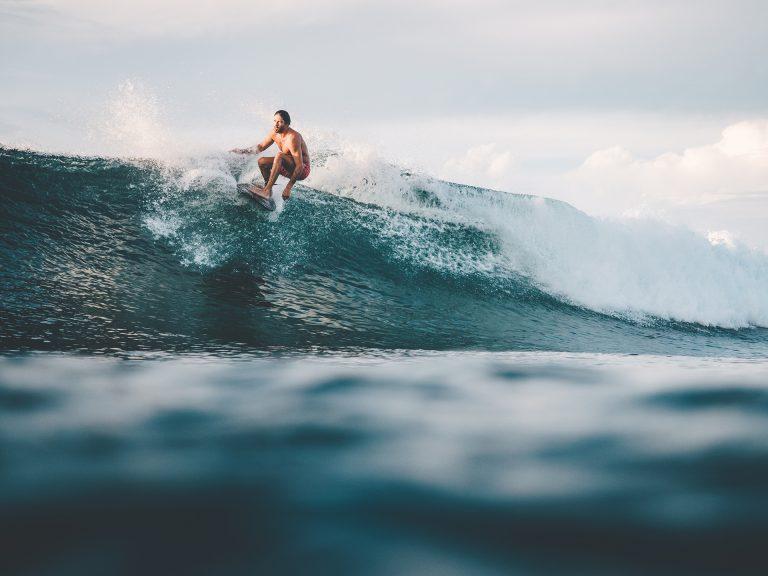 surfen-welle-reiten