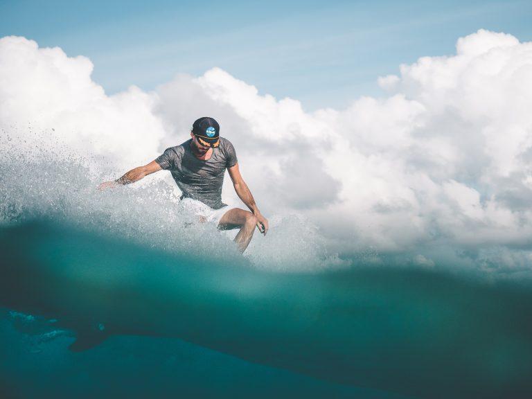 surfer-welle-tuerkis-5050-style