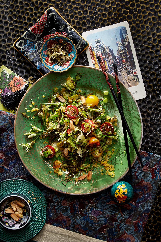 teeblaetter-salat-asiatisch-flair