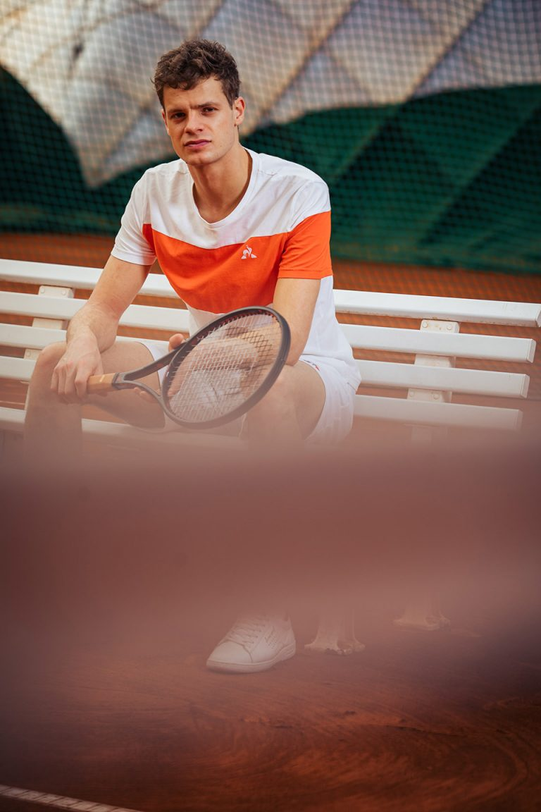 tennis-bank-schlaeger-yannnik-hanfmann