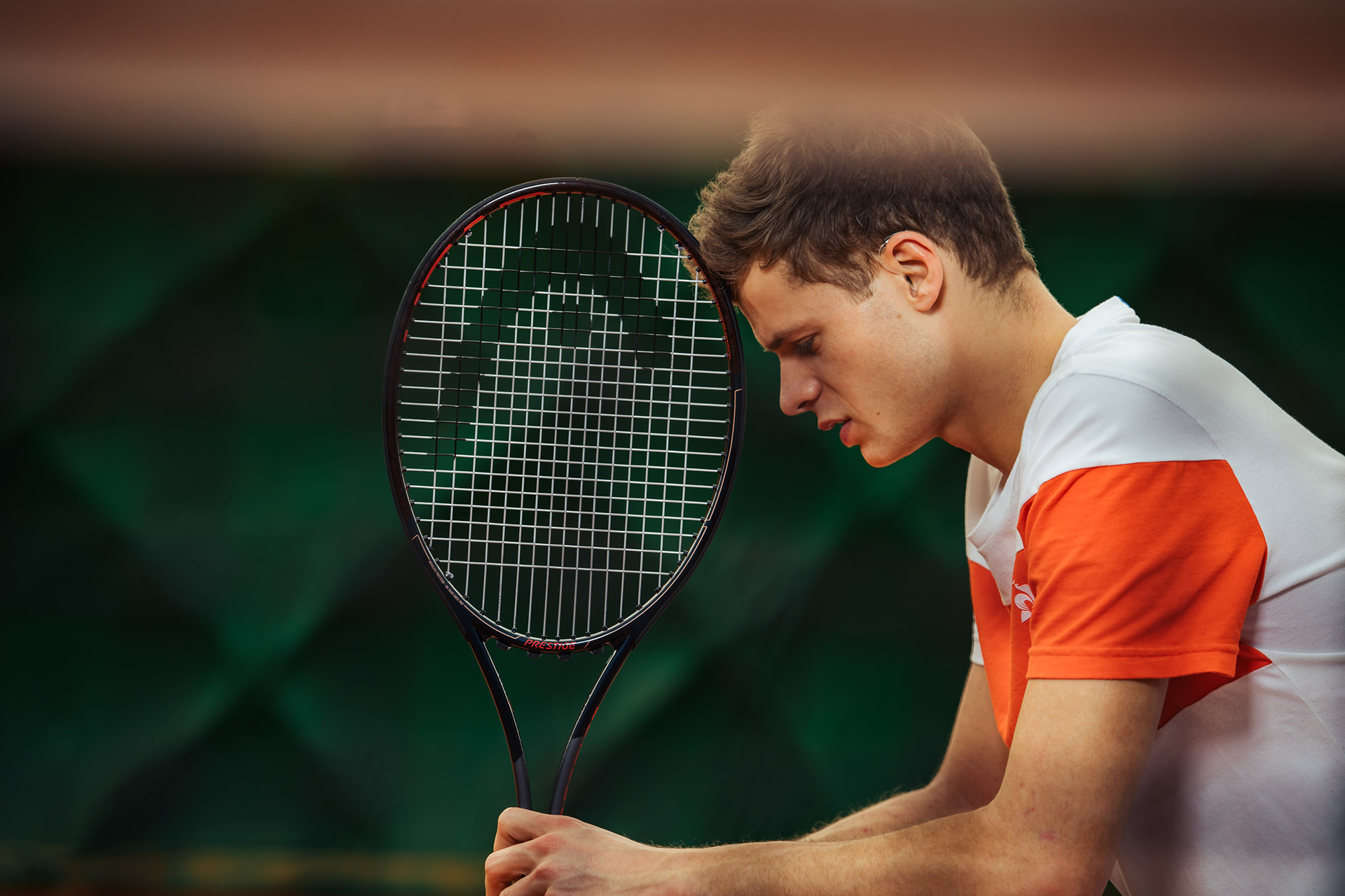 tennis-fokus-konzentration-schlaeger