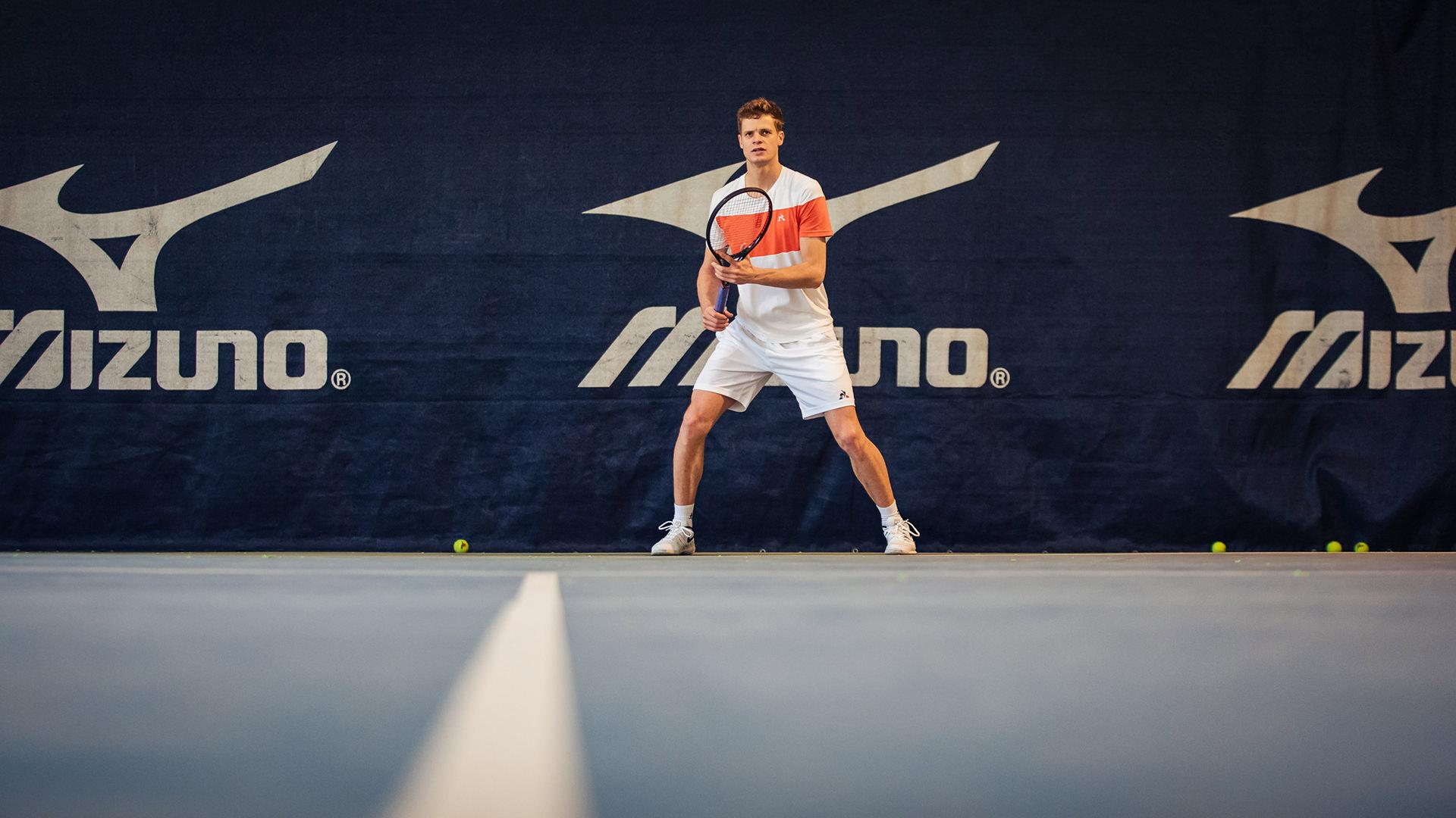 tennis-spiel-profi-feld-yannik-hanfmann