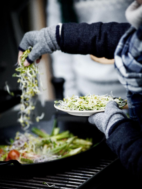 weber-winter-grillen-wok