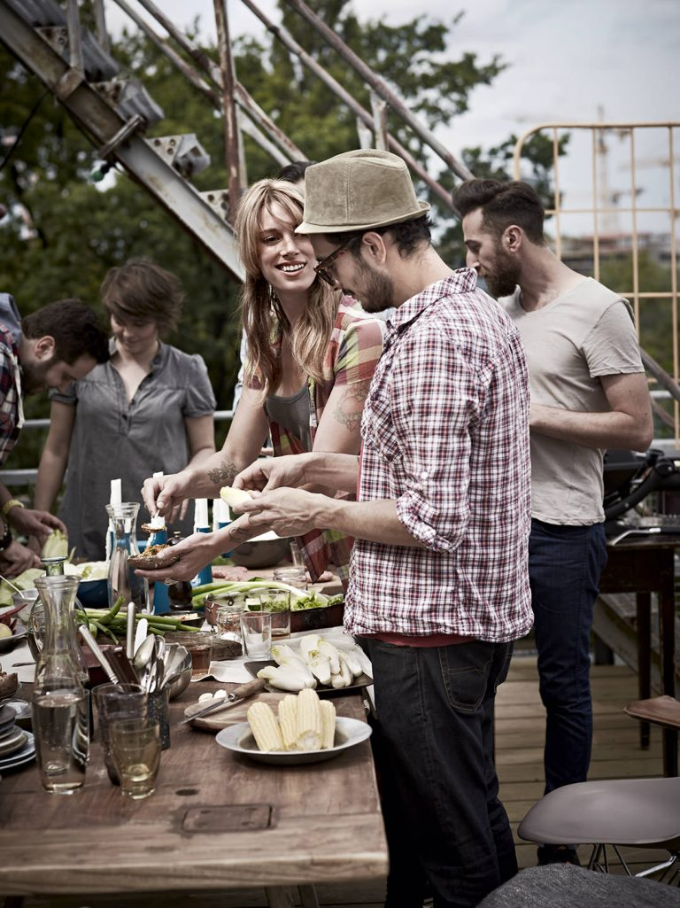 barbecue-dachterrasse-tisch-weber